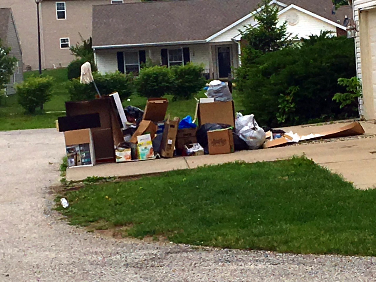 Home Trash-Out Cleanup